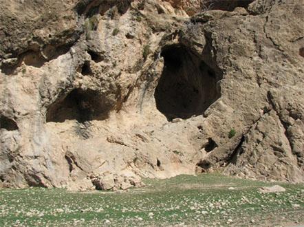 پناهگاه کوه یتیم قدیمیترین سکونتگاه استهبان